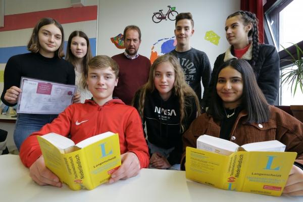 """""""Wij zijn geslaagd!"""": Bestandene Sprachzertifikate an der Europaschule"""